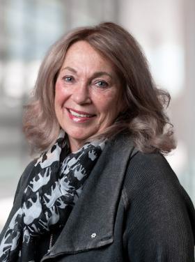 Mme Janet Davidson - Ancienne conseillère spéciale et ancienne sous-ministre, Santé Alberta